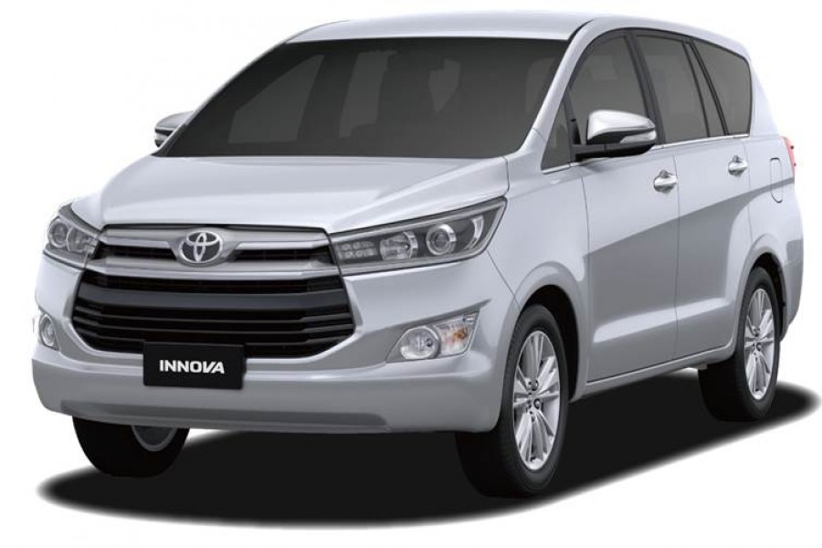 Innova 7 Seat Car And Our Driver Tuan